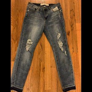 Ashley Mason jeans, skinny boyfriend distr…